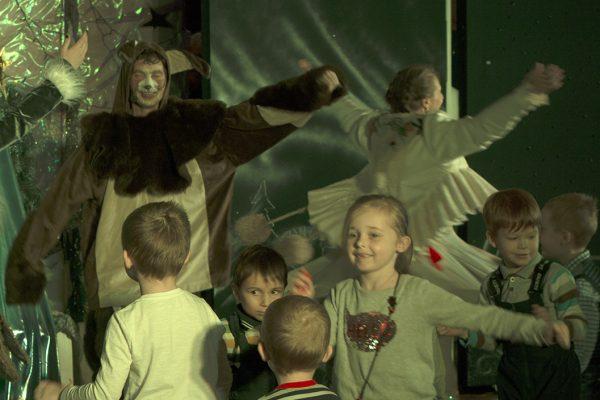 Учащиеся воскресной школы посетили спектакль