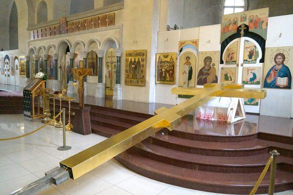 Установлен новый крест на куполе нашего храма