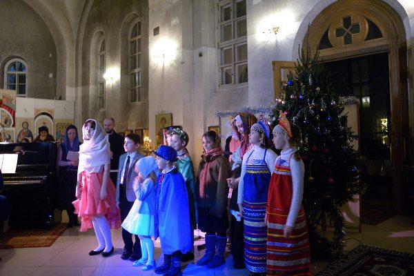 Концерт воскресной школы в день праздника Рождества Христова.