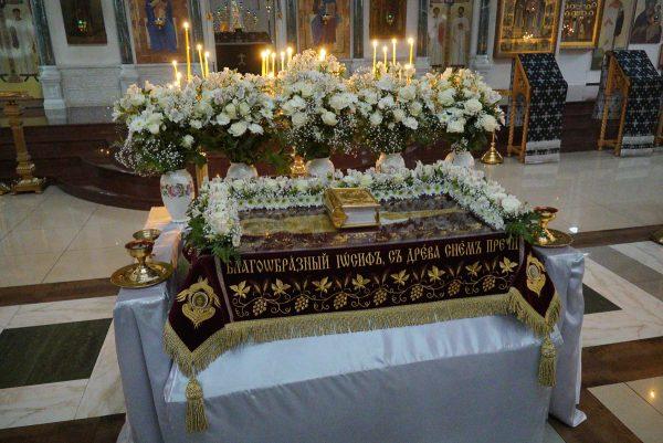 Вынос и погребение Плащаницы в храме прп. Василия Исповедника у Рогожской заставы